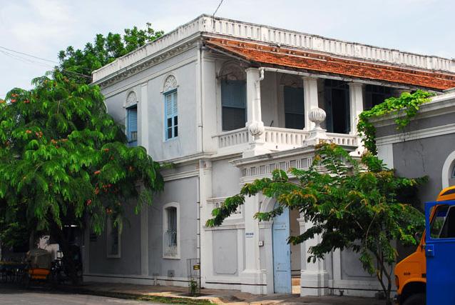 Rues de pondich ry architecture coloniale d partement for Plan maison coloniale